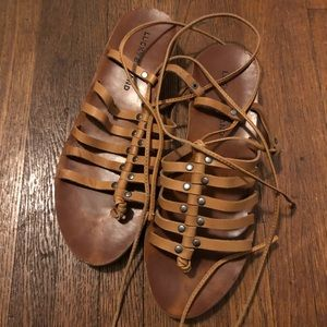 Lucky Brand Gladiators